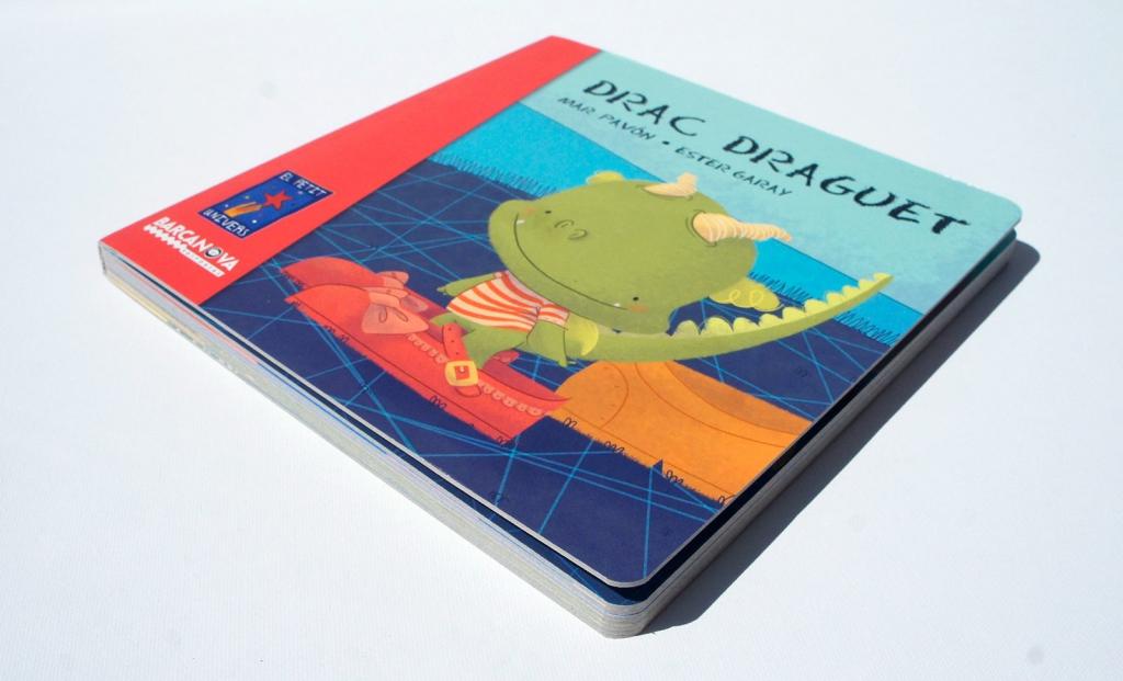 Drac draguet libro llibre Barcanova dragón cartón bebés primeros lectores  ilustración infantil Il·lustració infantil drac sant jordi petit children's book dragon baby toddler cardboard